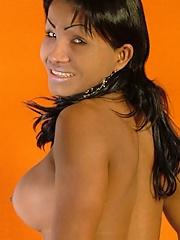 Ebony tranny with naughty smile and nice body
