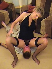 Thick lady sits on a guys face