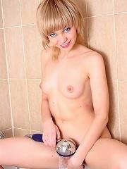 Bathroom teen wastes chance of a nice jakuzzi