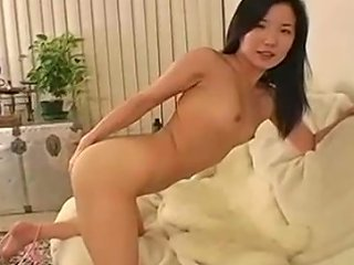Attractive Korean Girl Playing With Her Pinkish Pussy In Amateur Video