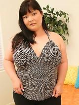 Sexy asian fatty sucking a huge cock