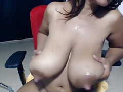 NipplesReachPussy