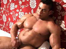Are you ready for another Big Boy? Muscle fans have gotten a load of Dynamite Exclusive muscleman Pablo Blades before, in his 3-ways muscle-flexing an