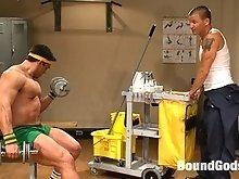 Creepy Janitor Brenn Wyson ties up, humiliates and fucks huge bodybuilder Vince Ferelli.