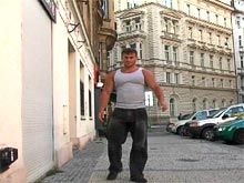 Big muscle dude Tomas Masek video