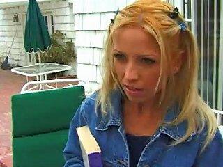 Very Hot Blonde Coed Loves Blowing Random Frat Guys