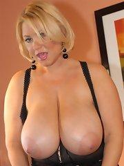 free boobs gallery Samantha 38g fucks and has...