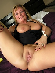 This mature nympho loves to play with herself