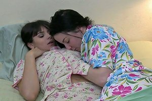 Homemade Having Been Woken Up Violet Starr Gets A Chance To Enjoy Sensual Cuni