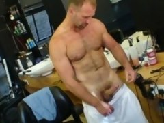 Parker Williams almost qualifies as a Daddy. Well he does to me and he is delicious as he jerks off.