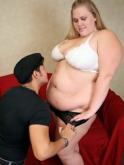 Long haired blonde fatty having her shaven slit licked