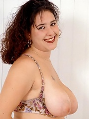Pretty Chubby Posing and Spreading Showing Fat Breasts