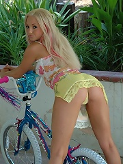 Dream Kelly bike and dildo play day
