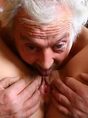 Grey old male fucks a sweet babe
