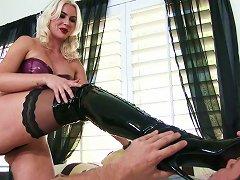 Hot Blonde Receives Serious Pleasures