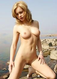 Erotic Teen Posing Teen Porn Pix