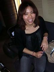 Sexy Asian Amateur MILF suck and enjoys fresh cum on her face